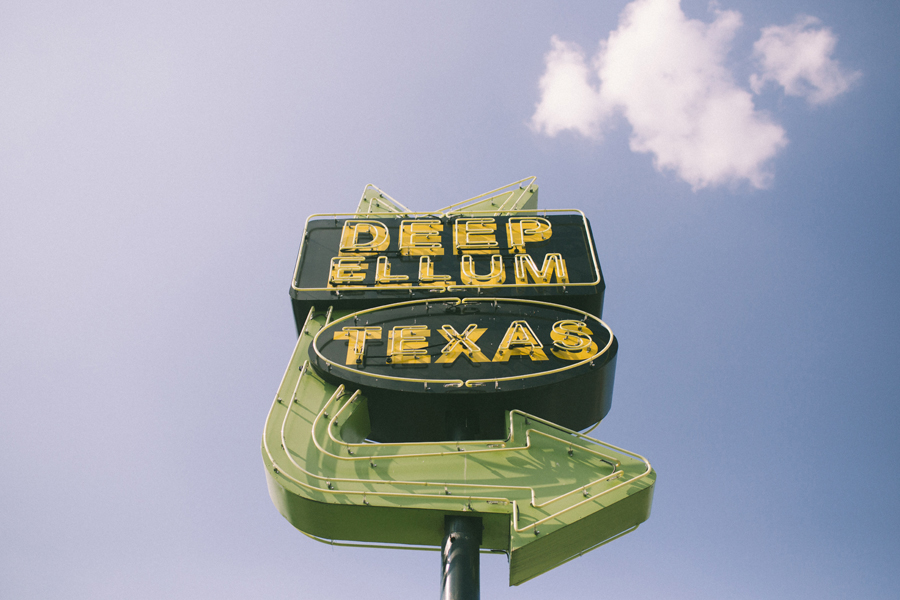 deep-ellum-texas-neon-sign