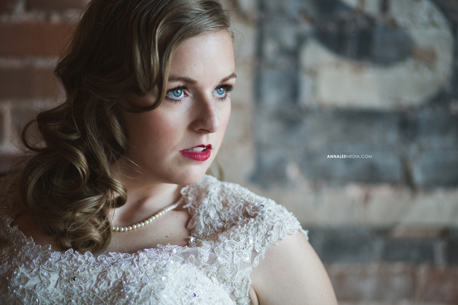 kasey-steffen-boes-bridal-session-sandplum-event-center-downtown-guthrie-wedding-dress-3
