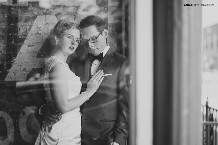 17-oklahoma-wedding-photographer-kasey-steffen-andrew-boes-sandplum-event-center-guthrie-ok-okc-couple-portraits