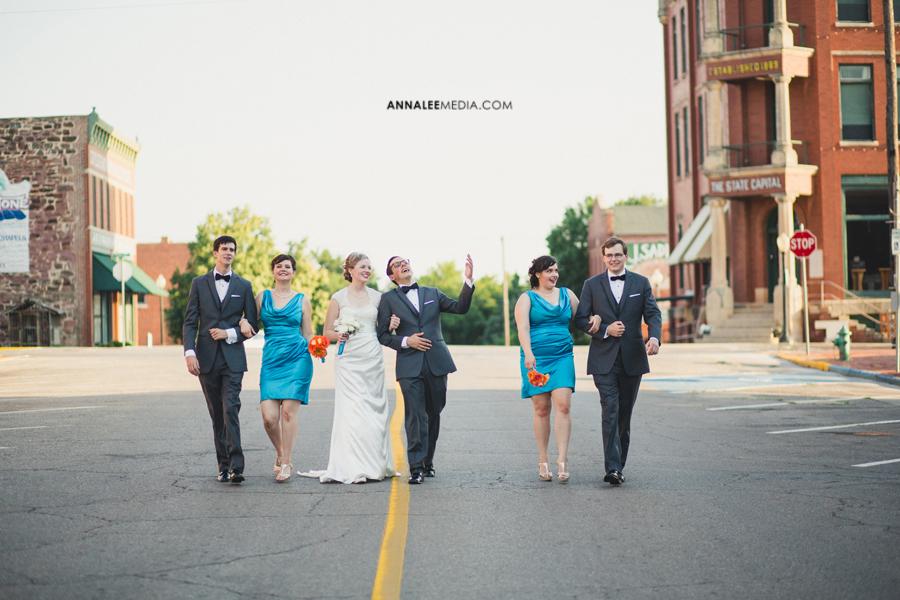 23-oklahoma-wedding-photographer-kasey-steffen-andrew-boes-sandplum-event-center-guthrie-ok-okc-bridal-party-portraits