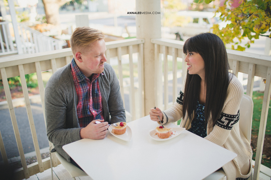 2-oklahoma-engagement-wedding-photographer-alexa-dumas-brandon-land-modern-quirky-hipster-stylish-okc-ok-cupcakes-sara-sara