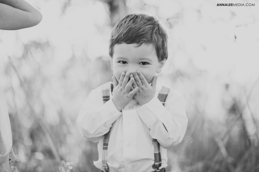 26-oklahoma-wedding-photographer-harrah-ashlynn-prater-josh-mcbride-rustic-backyard-country-vintage-eclectic-modern-stylish-ring-bearer-cute