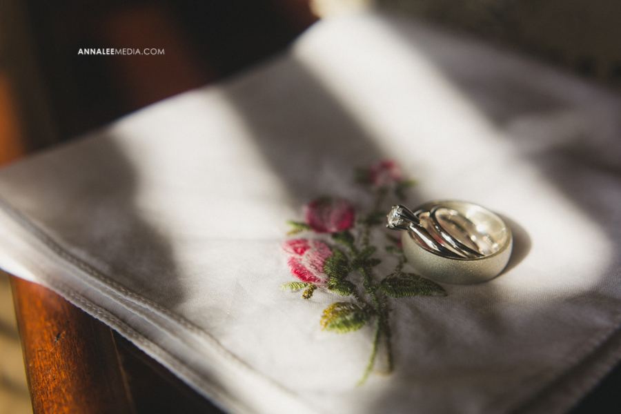 27-oklahoma-wedding-photographer-backyard-alexa-dumas-brandon-land-modern-graphic-designer-outdoor-summer-trendy-hipster-rustic-hankerchief-rings-macro-window-light