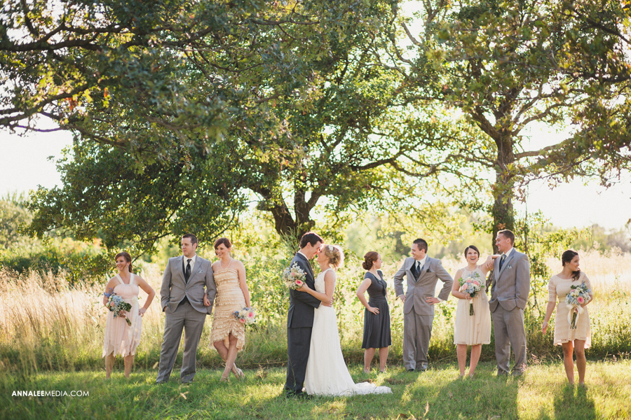 28-oklahoma-wedding-photographer-harrah-ashlynn-prater-josh-mcbride-rustic-backyard-country-vintage-eclectic-modern-stylish-bridal-party-portraits-pose