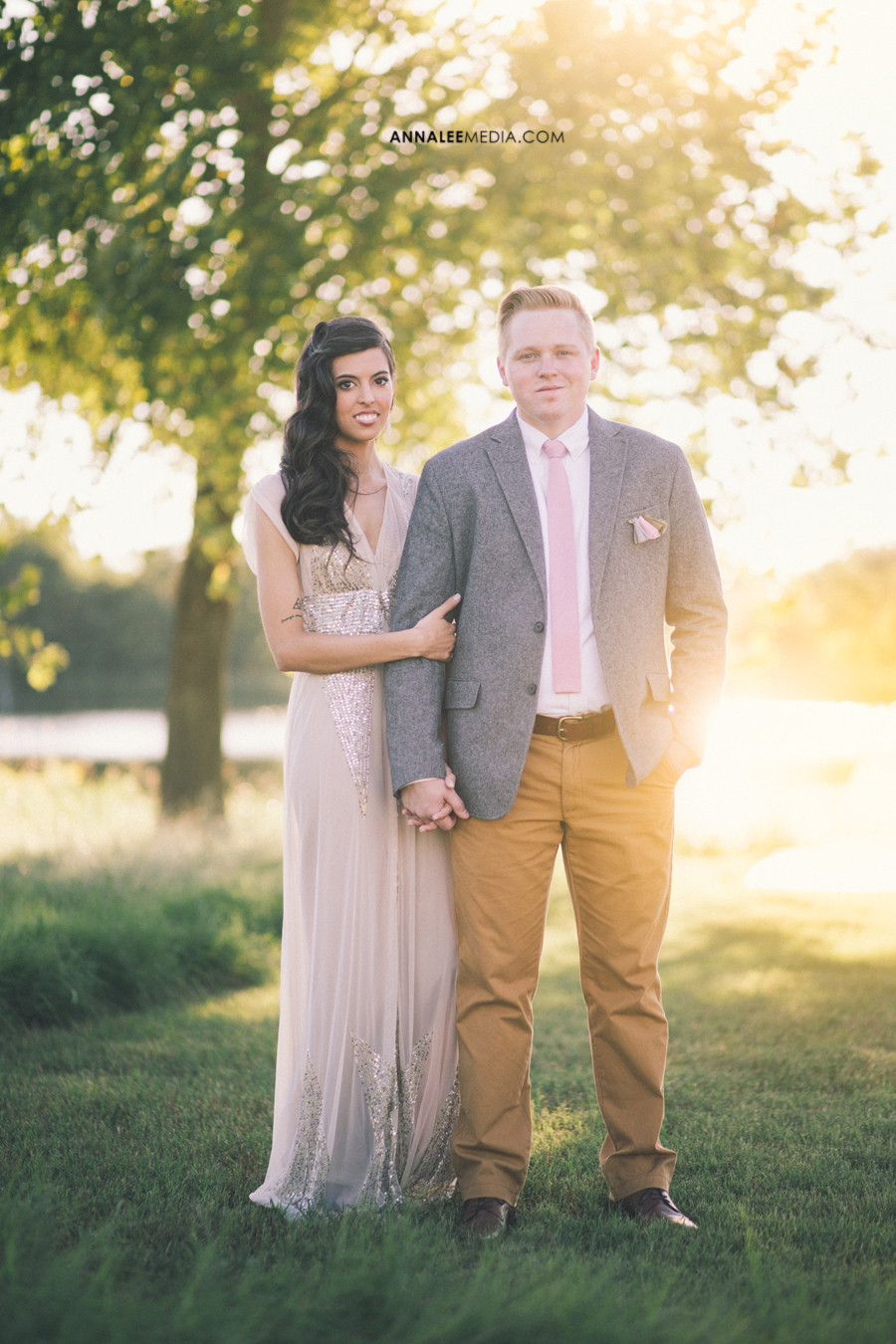 3-oklahoma-wedding-photographer-backyard-alexa-dumas-brandon-land-modern-graphic-designer-outdoor-summer-trendy-hipster-couple-portraits