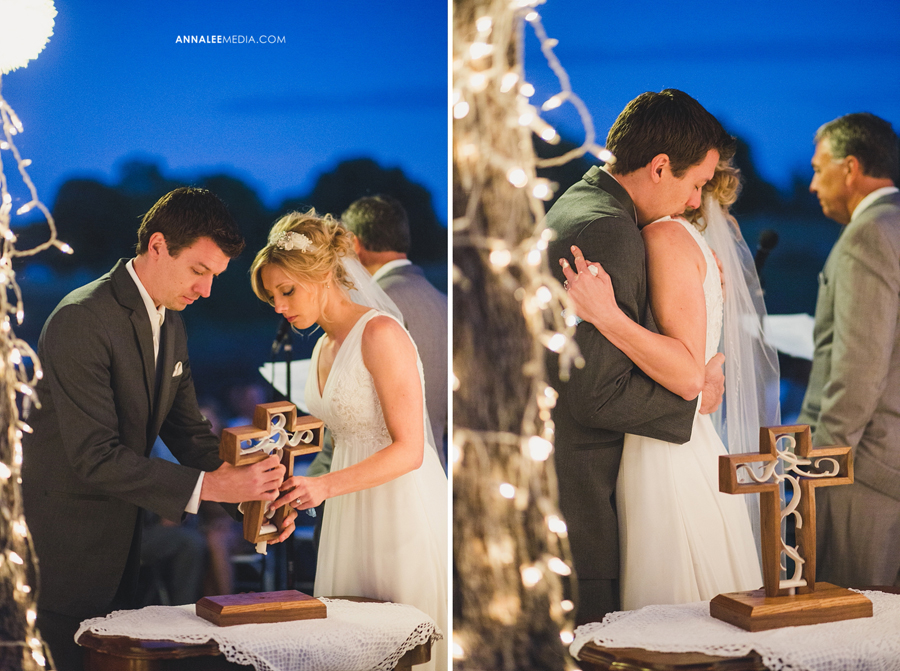 43-oklahoma-wedding-photographer-harrah-ashlynn-prater-josh-mcbride-rustic-backyard-country-vintage-eclectic-modern-stylish-ceremony-lights