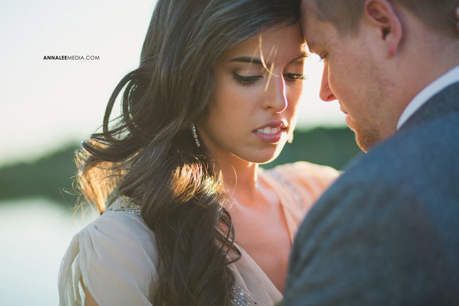7-oklahoma-wedding-photographer-alexa-dumas-brandon-land-modern-stylish-hipster-couple-portraits-pose