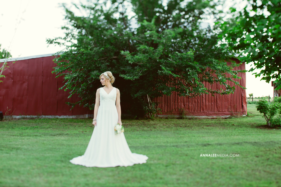 9-oklahoma-wedding-photographer-bridals-garden-ashlynn-prater-mcbride-okc-barn