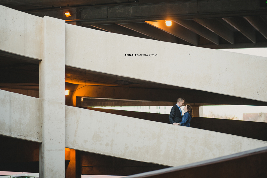 13-okc-wedding-photographer-engagement-melanie-pearce-michael-smith-downtown
