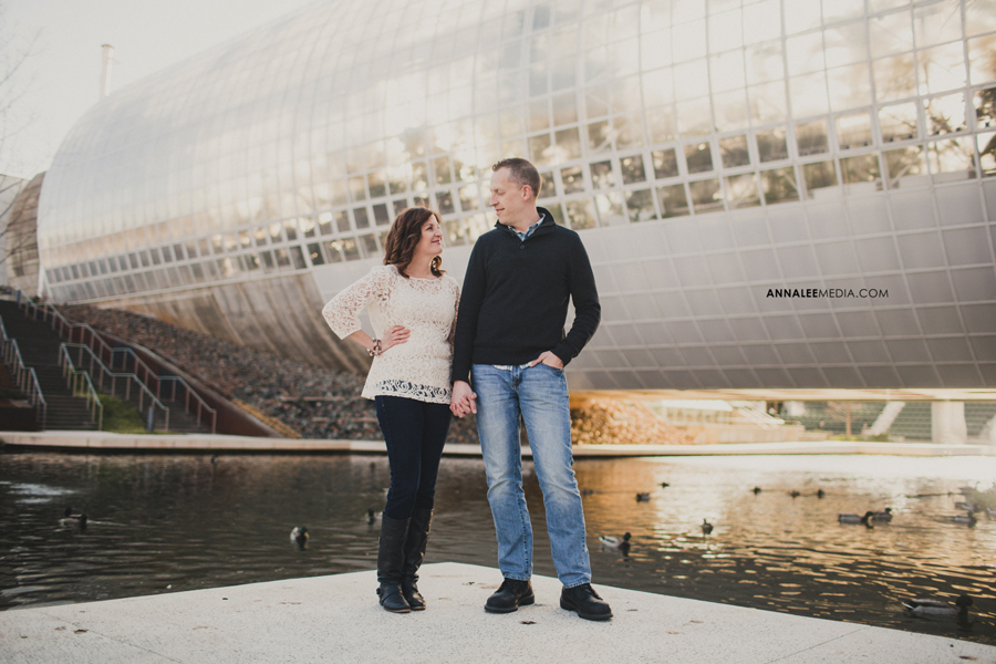 4-okc-wedding-photographer-engagement-melanie-pearce-michael-smith-myriad-gardens