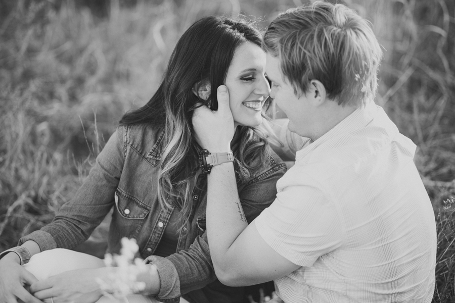 5-oklahoma-okc-wedding-engagement-photographer-field