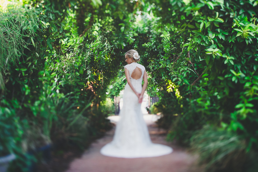 9-okc-bridal-wedding-photographer-hannah-adel-collins-botanical-gardens