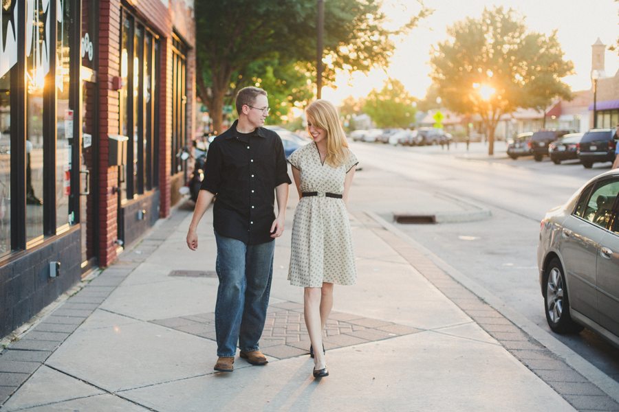 14-engagement-wedding-okc-photographer-plaza-district