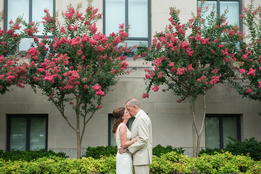 4-okc-wedding-photographer-okcmoa-art-museum-rooftop-melanie-pearce-michael-smith