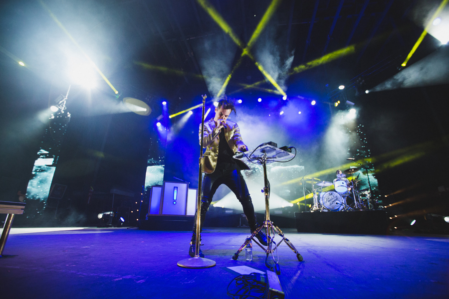 1-panic-disco-brendon-urie-okc-zoo-amp-gospel-tour-concert
