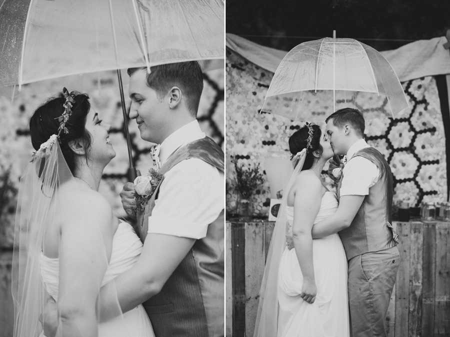 25-okc-wedding-photographer-edgemere-park-outdoor-laura-alderman-caden-mcmanaman-rain
