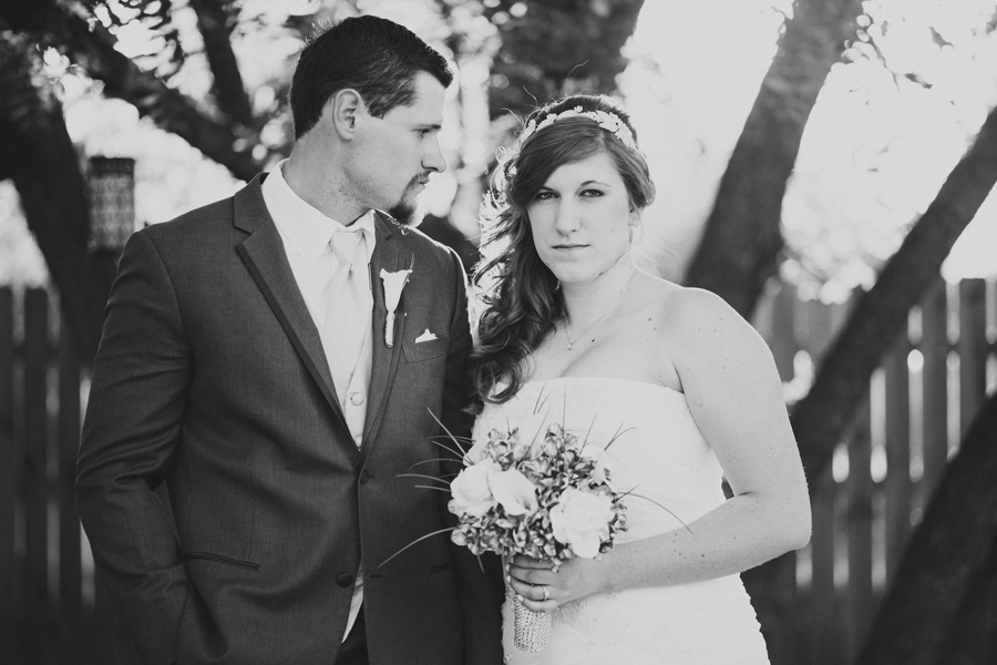 8-walnut-creek-chapel-okc-wedding-photographer-outdoor-bridget-weingart-kevin-mcgarry