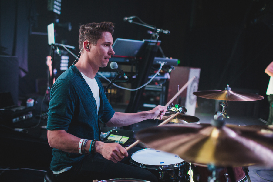 37-smallpools-tour-summer-2014-beau-soundcheck