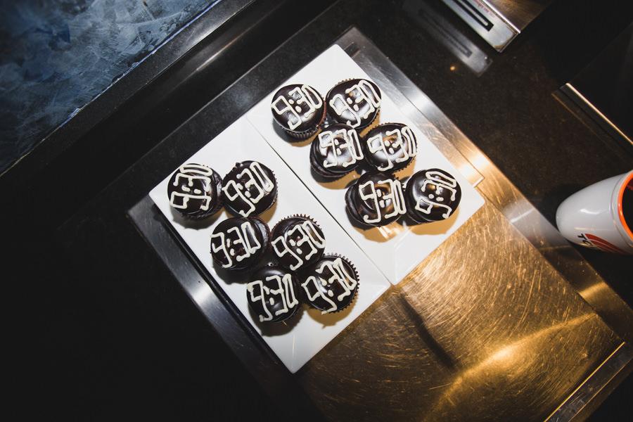 110-930-club-cupcakes