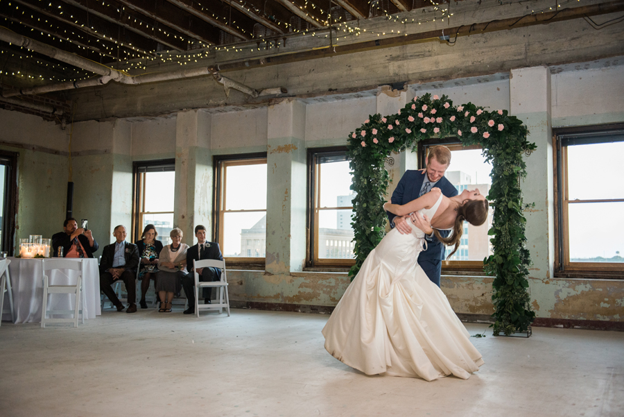 31-okc-magnolia-building-wedding-photographer-anna-lee-media-first-dance