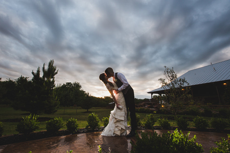 36-chisholm-springs-event-center-edmond-okc-wedding-photographer-rain-cloudy