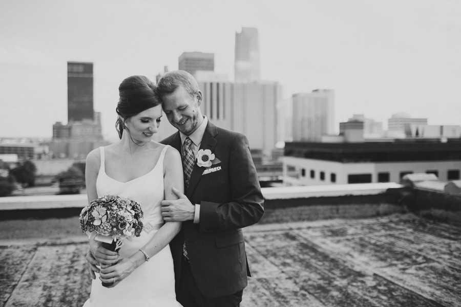 7-okc-magnolia-building-rooftop-wedding-photographer-anna-lee-media