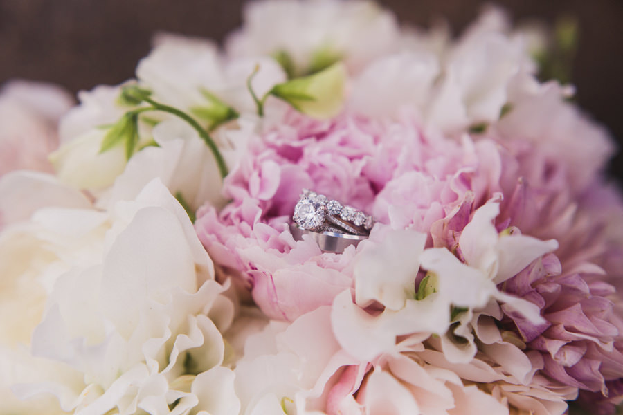 22-oak-tree-country-club-okc-edmond-wedding-photographer-rings-bouquet