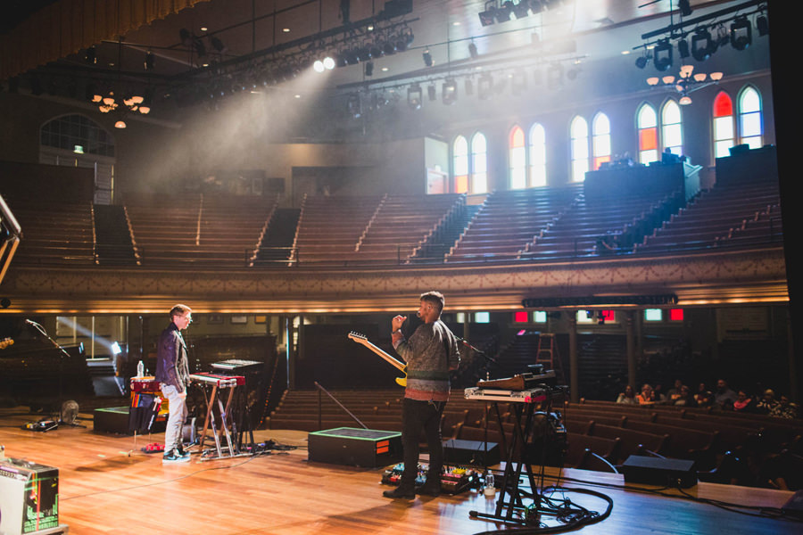 75-walk-the-moon-wtm-tih-tour-ryman-soundcheck