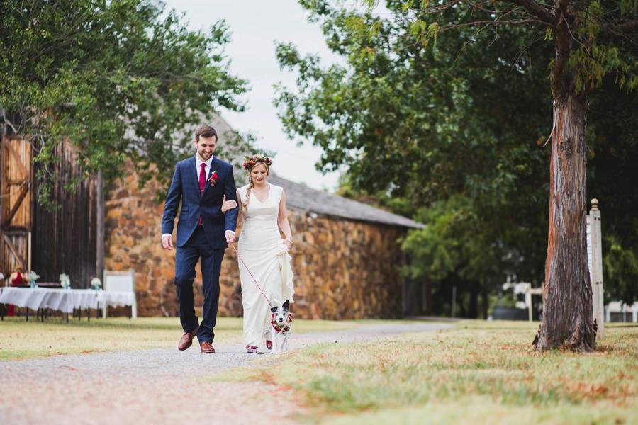 10-harn-homestead-okc-wedding-photographer-bride-groom-dog-los-angeles