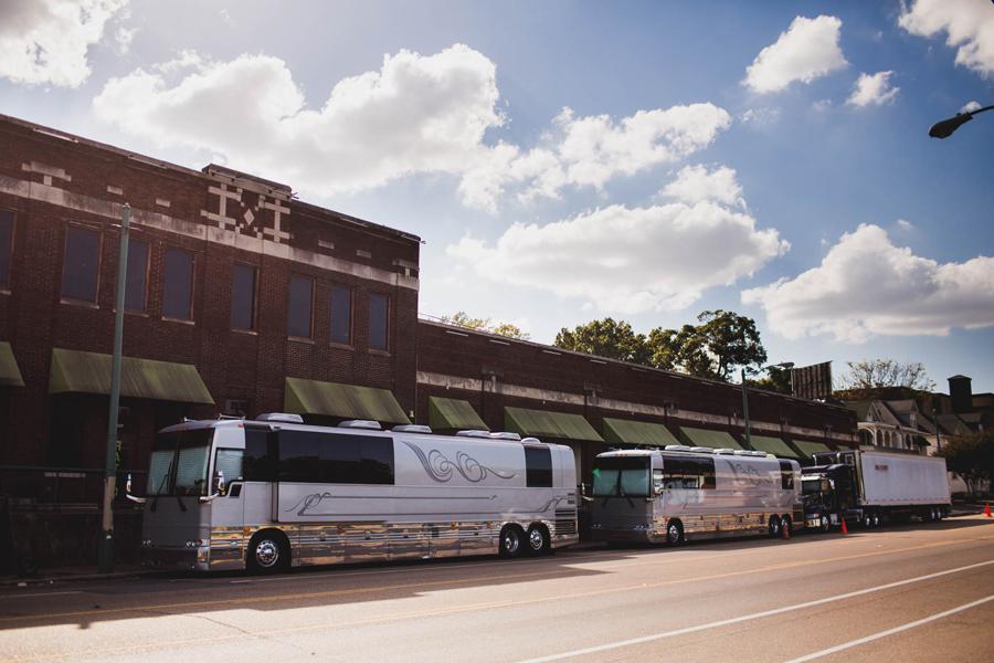 137-walk-the-moon-wtm-tih-tour-buses