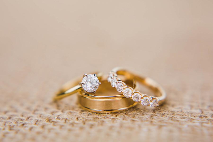 14b-rings-okc-wedding-photographer-gold