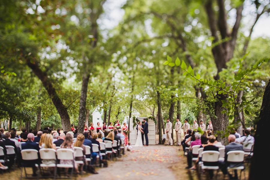 30-harn-homestead-okc-wedding-photographer-ceremony-outdoor-trees-los-angeles