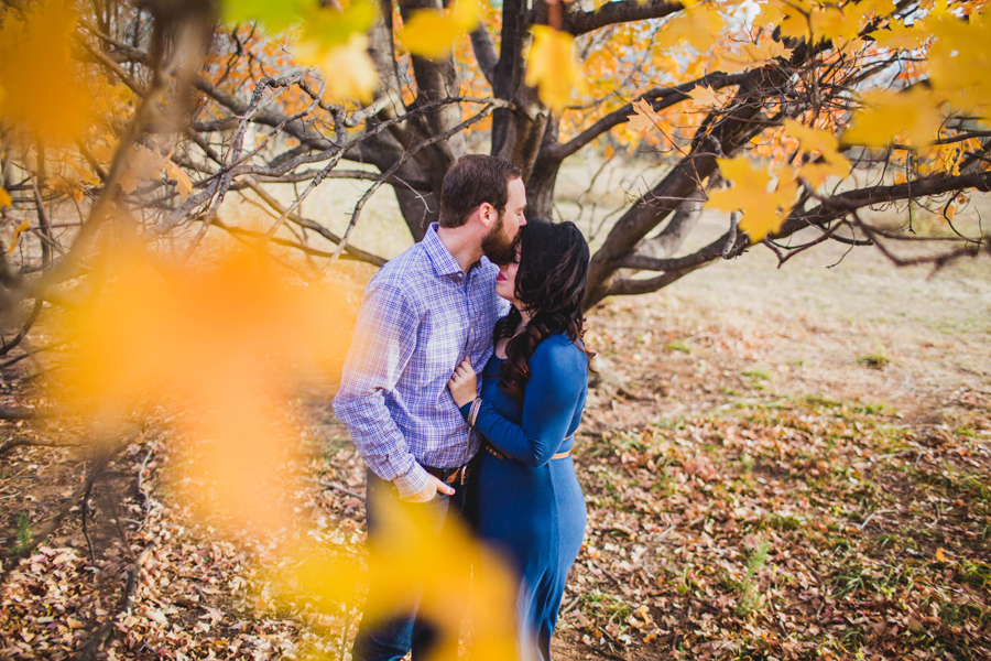 4-okc-fall-engagement-portraits-martin-nature-park-artsy-los-angeles-la