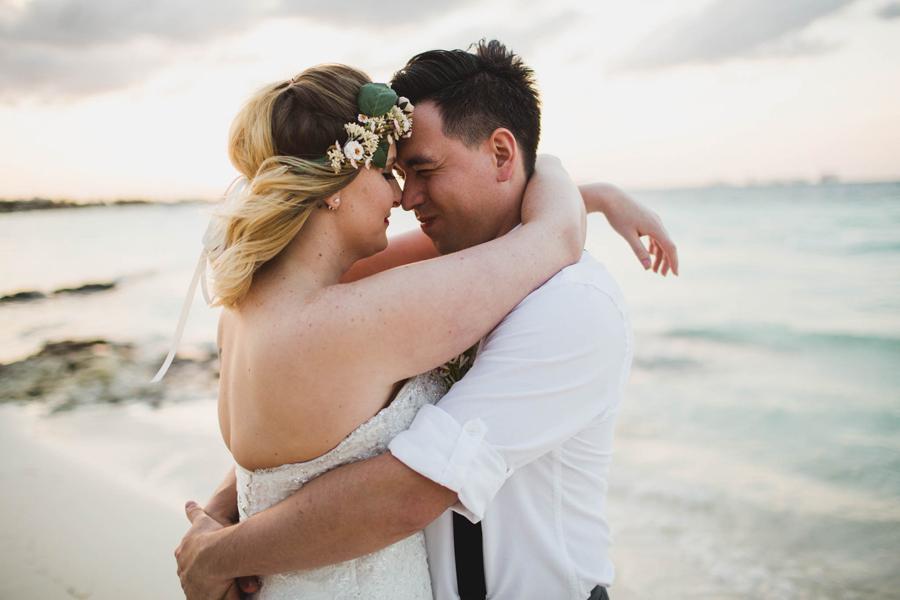 24-dream-sands-resort-destination-wedding-photographer-cancun-beach-portraits
