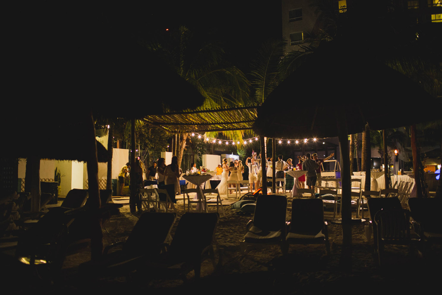 37-dream-sands-resort-destination-wedding-photographer-cancun-reception