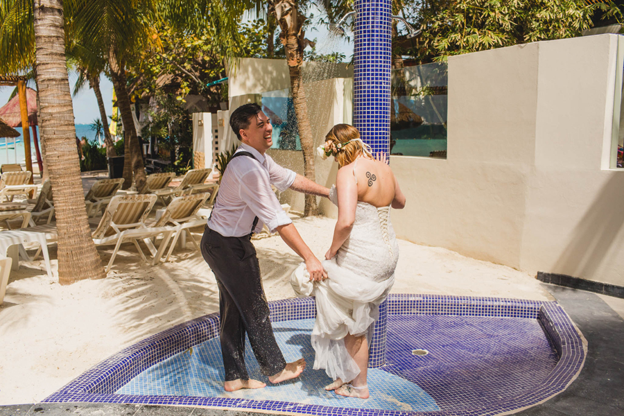 40-trash-the-dress-ocean-beach-destination-wedding-photographer-cancun