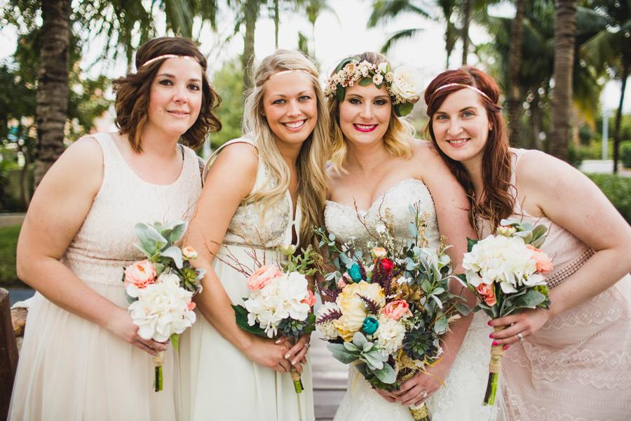 6-dream-sands-resort-destination-wedding-photographer-cancun-bridesmaids