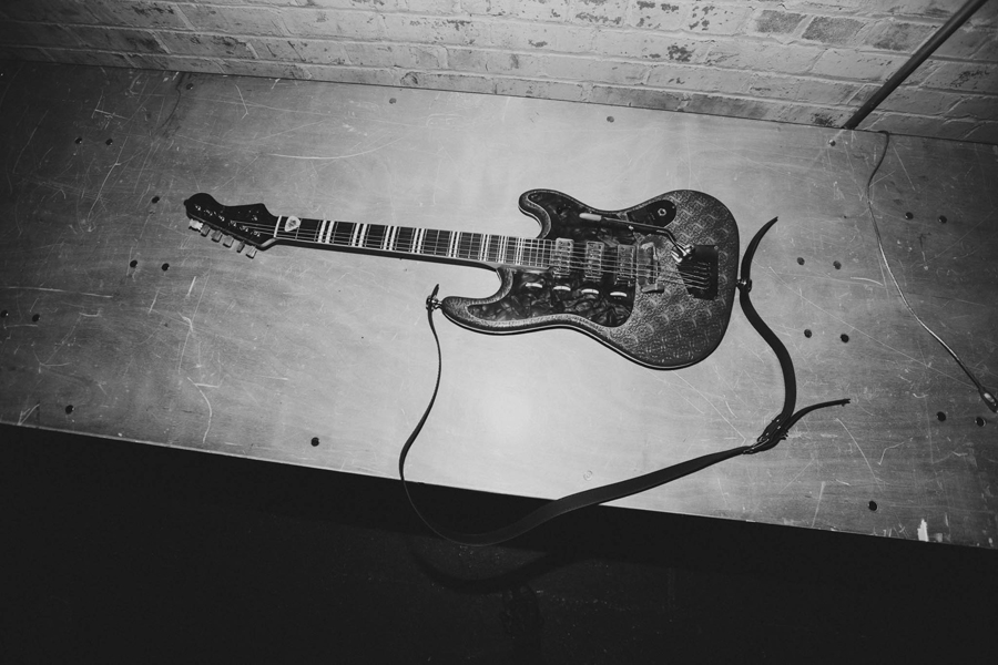 mainland-melanie-martinez-cry-baby-tour-1-jordan-guitar
