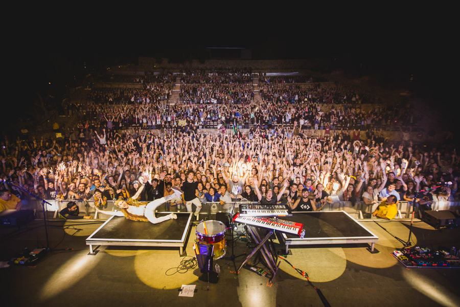 wtm-work-this-body-tour-45-santa-barbara-bowl-band-crowd