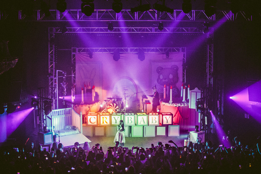 melanie-martinez-cry-baby-tour-43