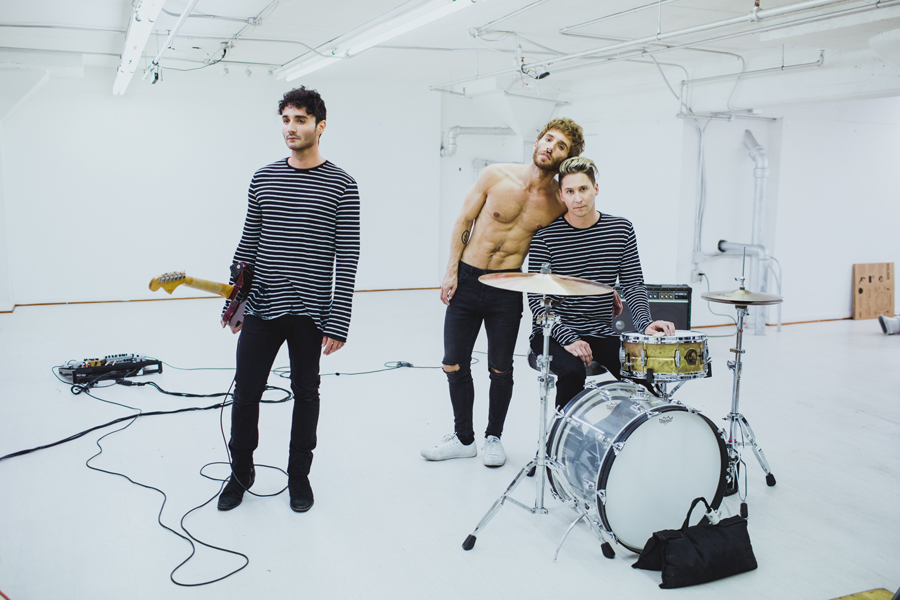 smallpools-run-with-the-bulls-video-bts-promo-11