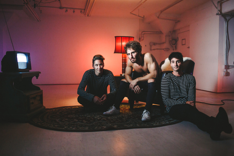 smallpools-run-with-the-bulls-video-bts-promo-17
