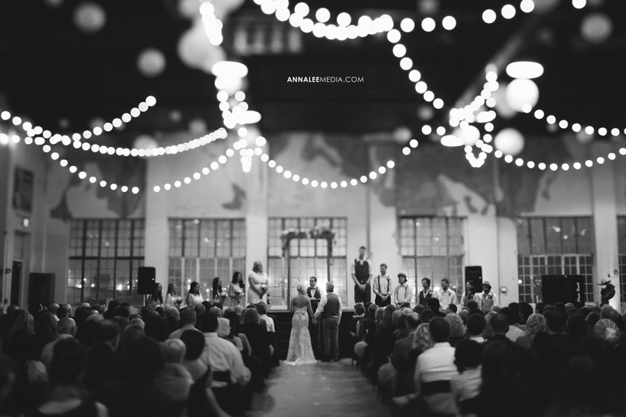 © Anna Lee Media | Oklahoma Wedding Photographer | OKC Public Farmers Market