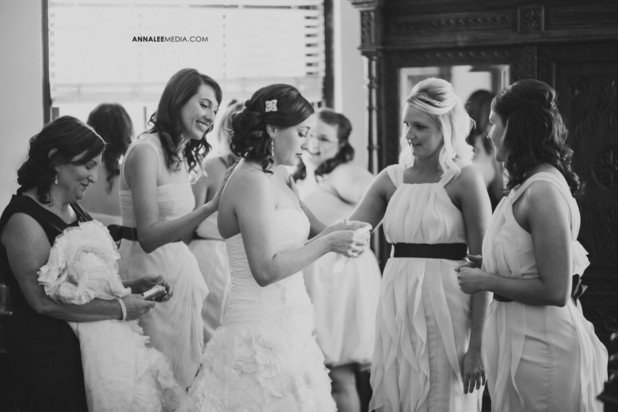 5-oklahoma-el-reno-wedding-photographer-festivities-event-center-lindsey-deal-evan-crowley-bridal-prep