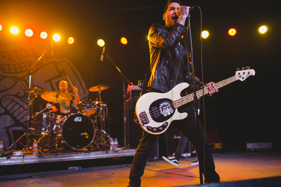 20-mxpx-mike-herrera-glasshouse-los-angeles-la-anna-lee-media-concert-photographer