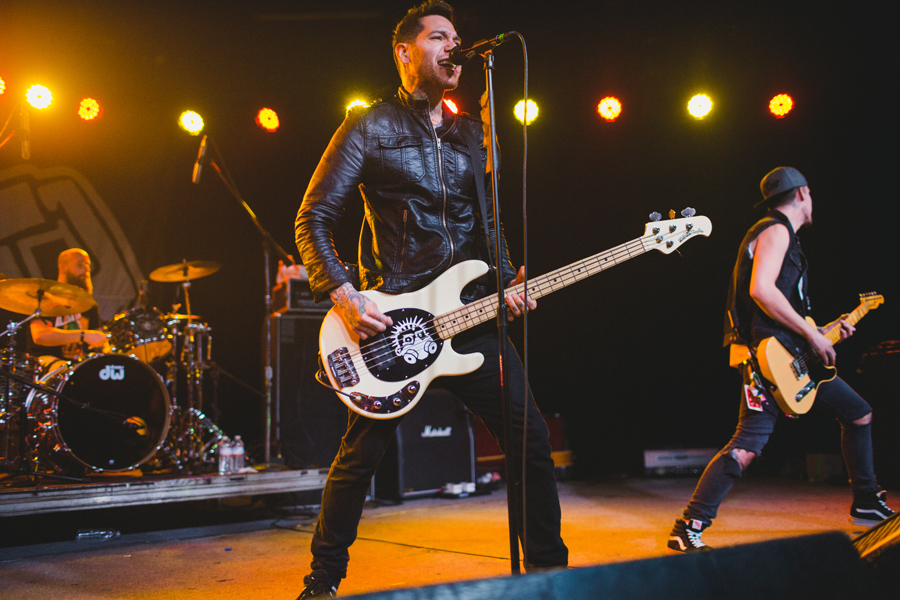 22-mxpx-mike-herrera-glasshouse-los-angeles-la-anna-lee-media-concert-photographer