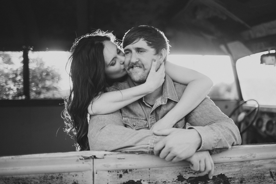 9-southwind-hills-okc-norman-engagement-wedding-photographer