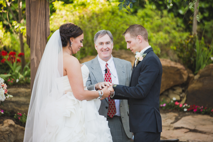 14-oklahoma-wedding-photographer-dominion-house-guthrie-miya-stevens-zachary-resseguie
