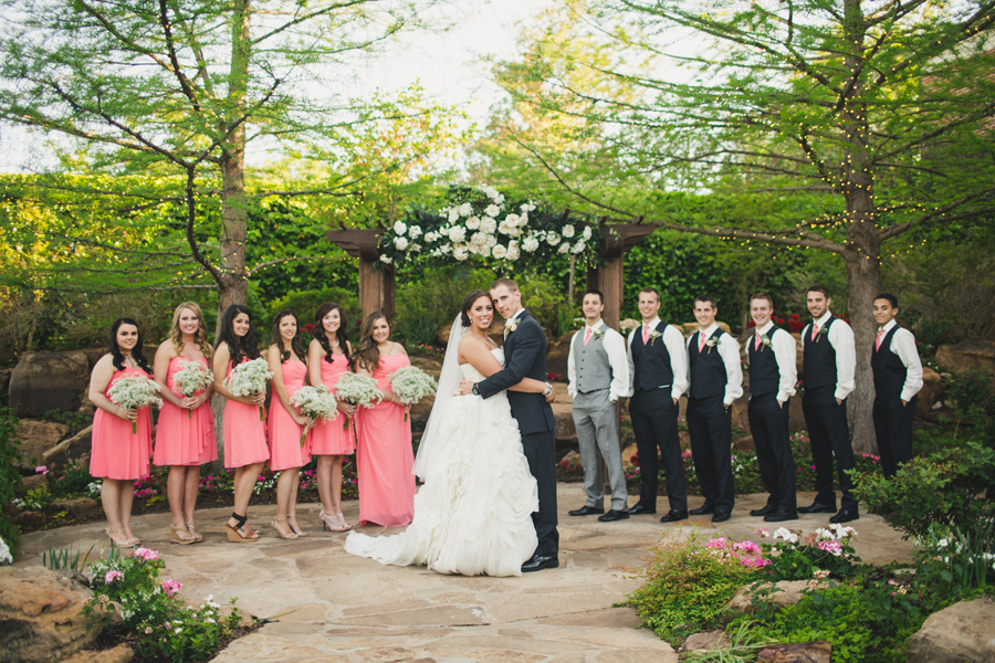 17-oklahoma-wedding-photographer-dominion-house-guthrie-miya-stevens-zachary-resseguie