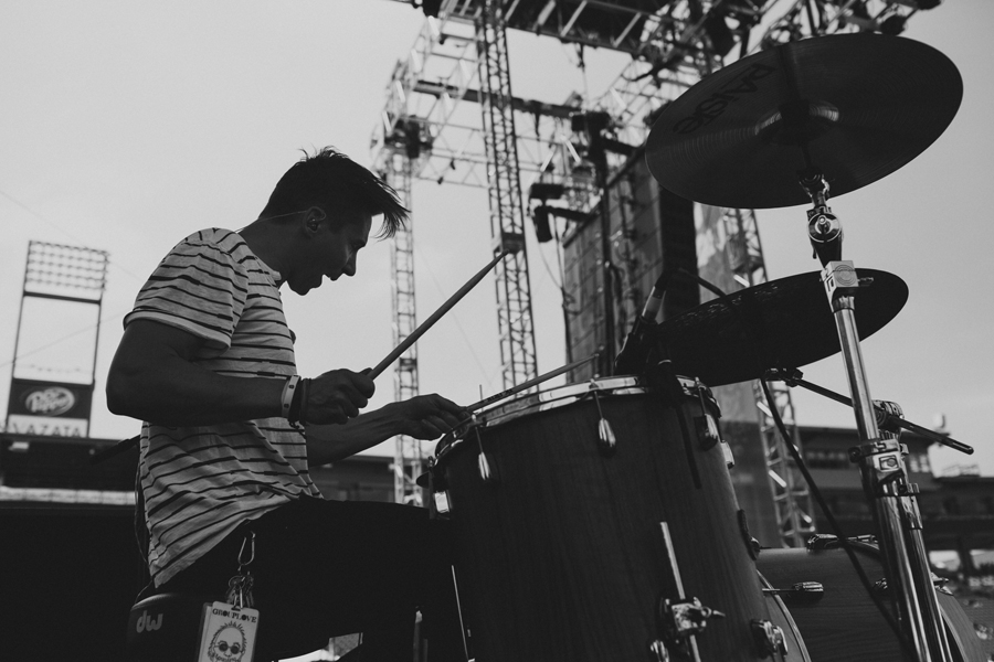 34-smallpools-beau-kuther-edge-fest-tour-photographer-anna-lee-media